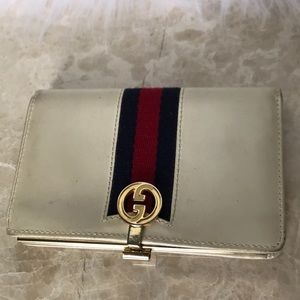 GUCCI 100% authentic  leather made in Italy